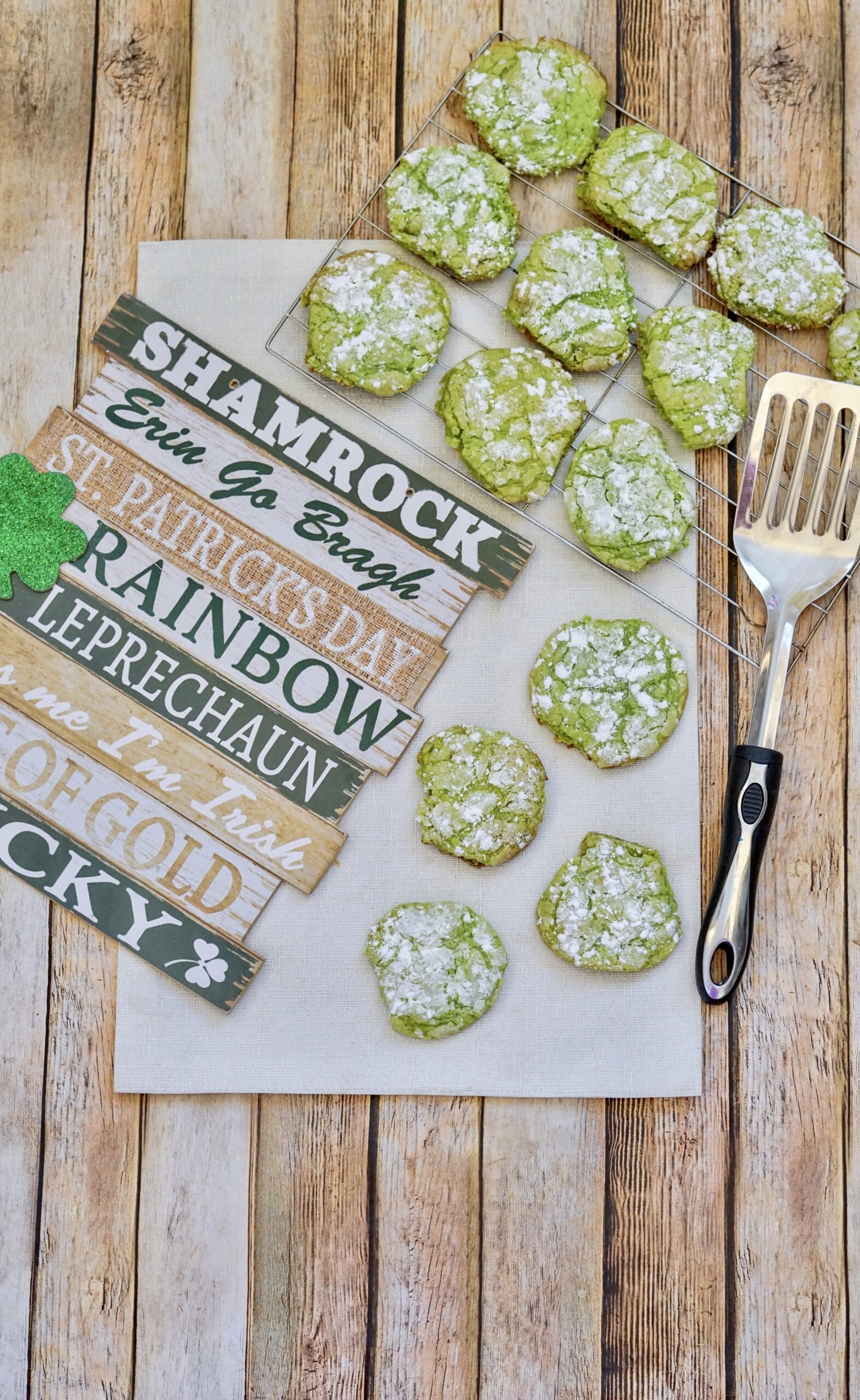 Instant Vortex Air Fryer St. Patrick's Day Crinkle Cookies