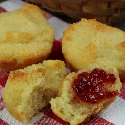 breakfast biscuits with jam